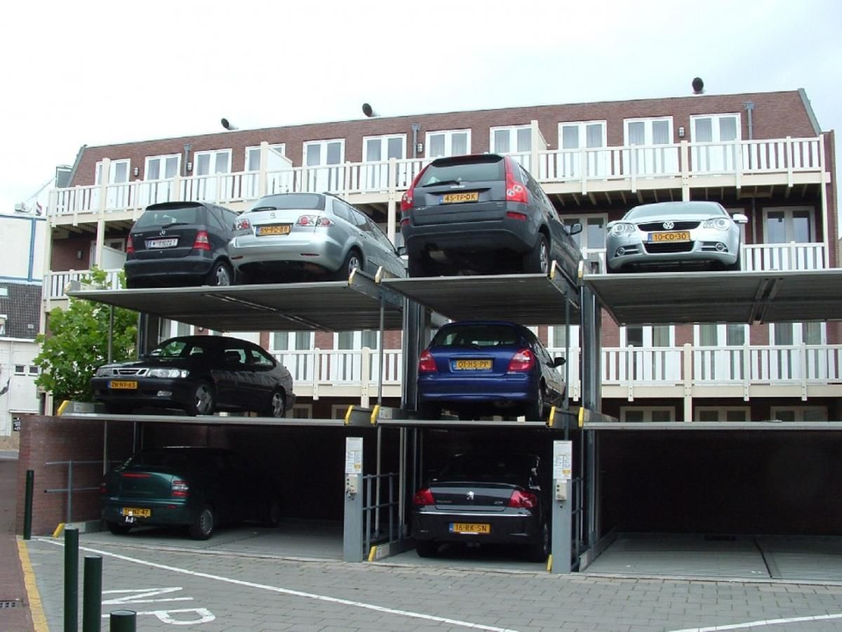 impianto di parcheggio installato all\'esterno