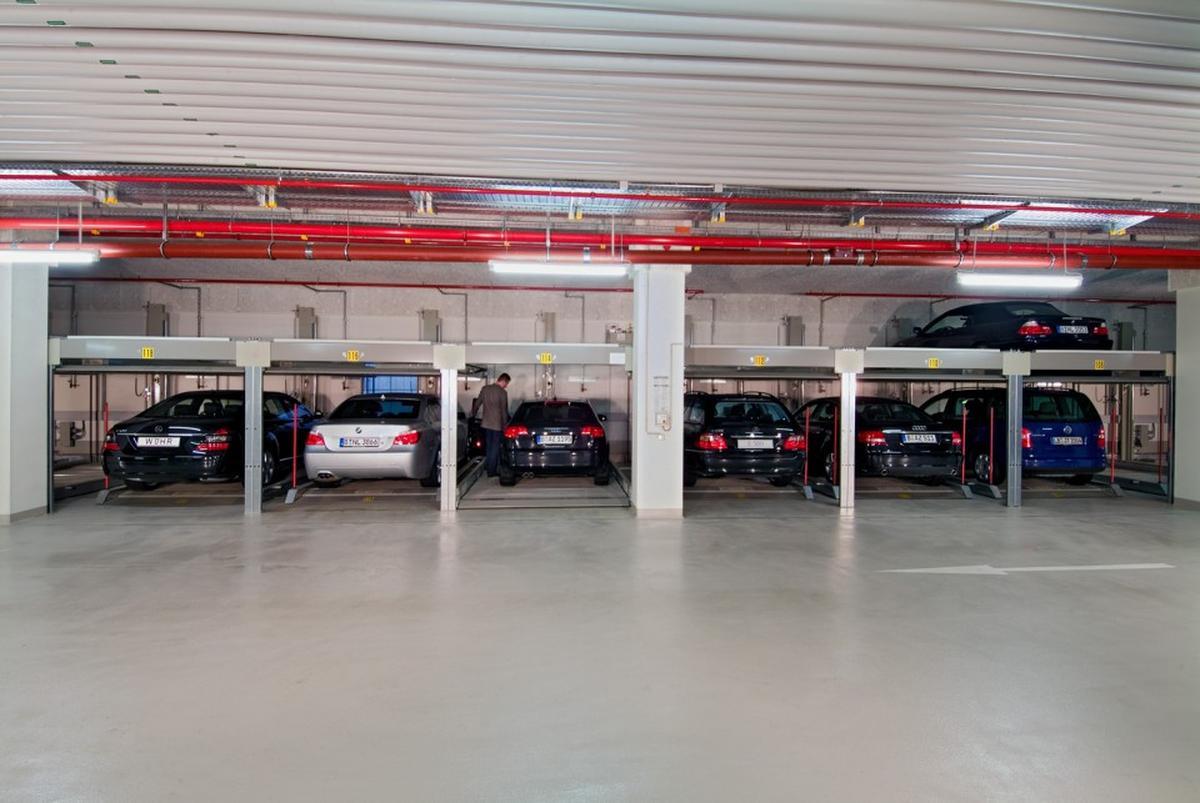parcheggio semi automatico Combilift