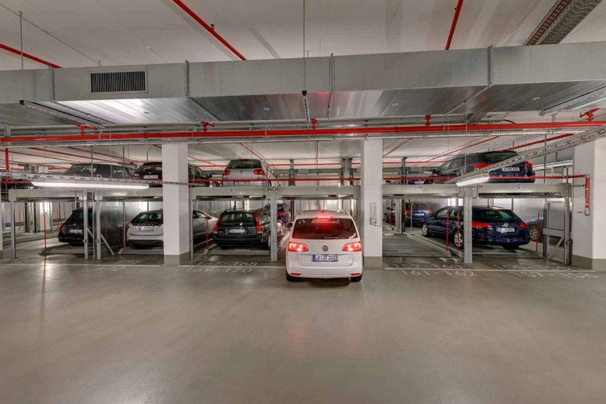 impianto di parcheggio semiautomatico Combilift 552