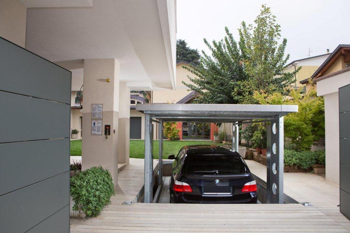 Ip1 cm ff42 ascensore per auto con tetto di copertura for Ascenseur voiture garage