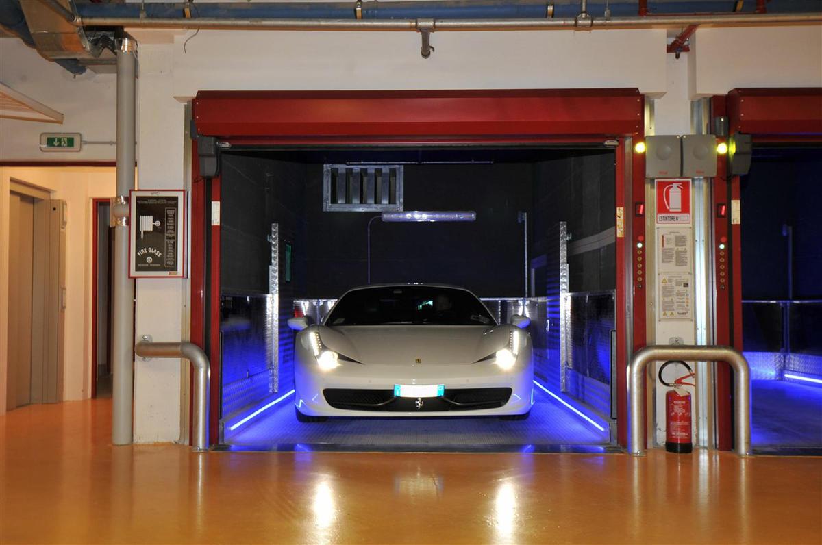 elevatori per auto elettrici