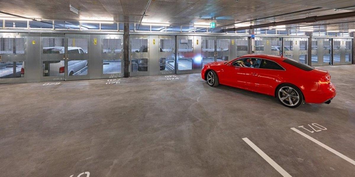 parcheggio semiautomatico Combilift 542