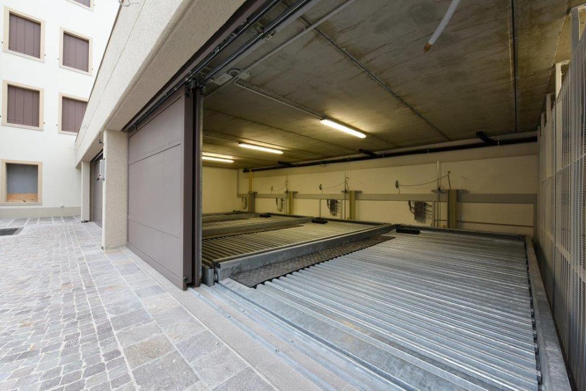 Combilift 542 parcheggio semiautomatico