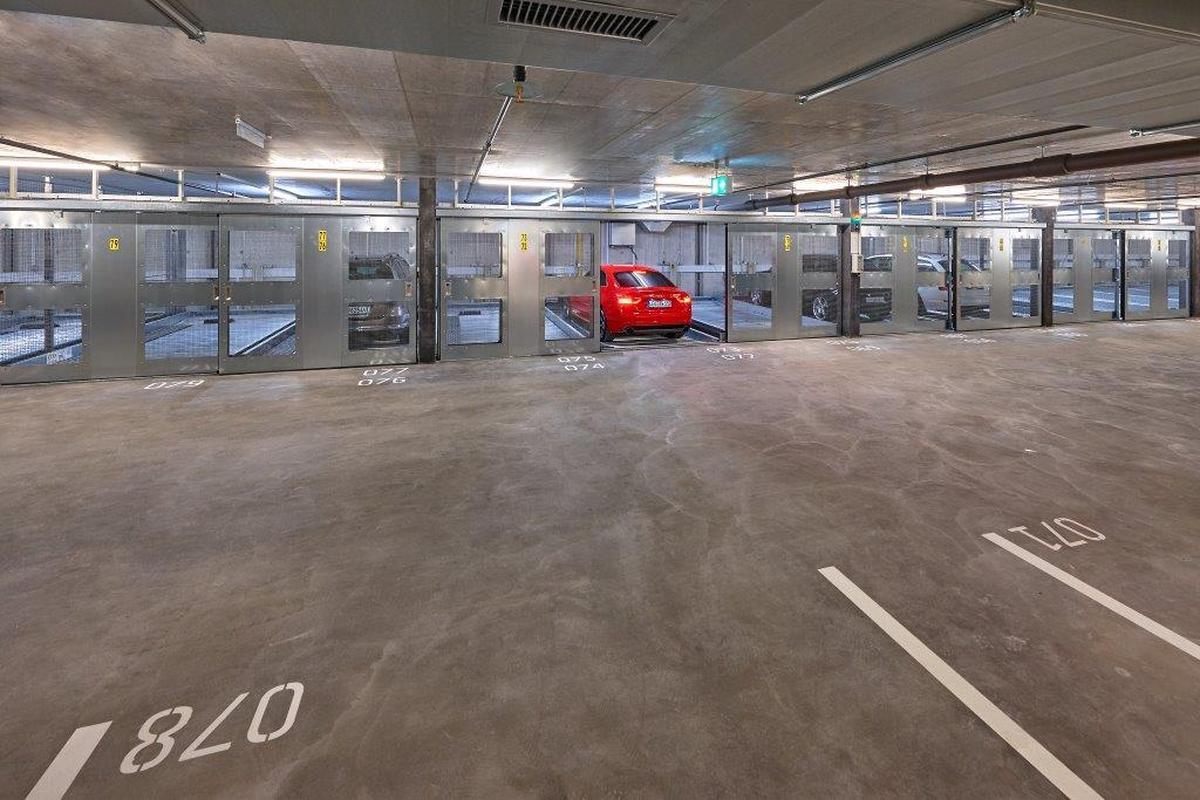 Combilift 542 parcheggio meccanico