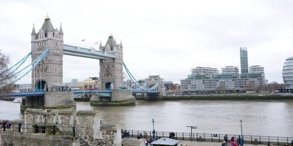 Il progetto Combilift 542 è situato sulle sponde del Tamigi, vicinissimo al Tower Bridge.