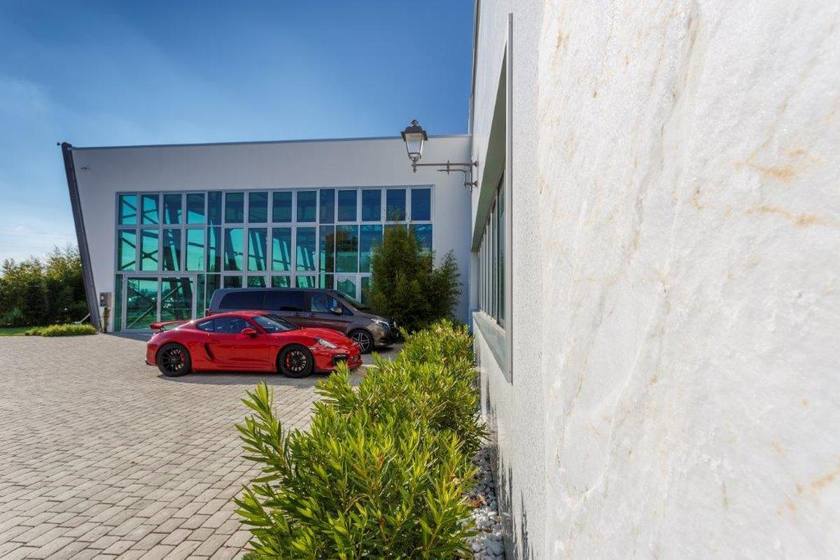 nuovo showroom Pagani Automobili
