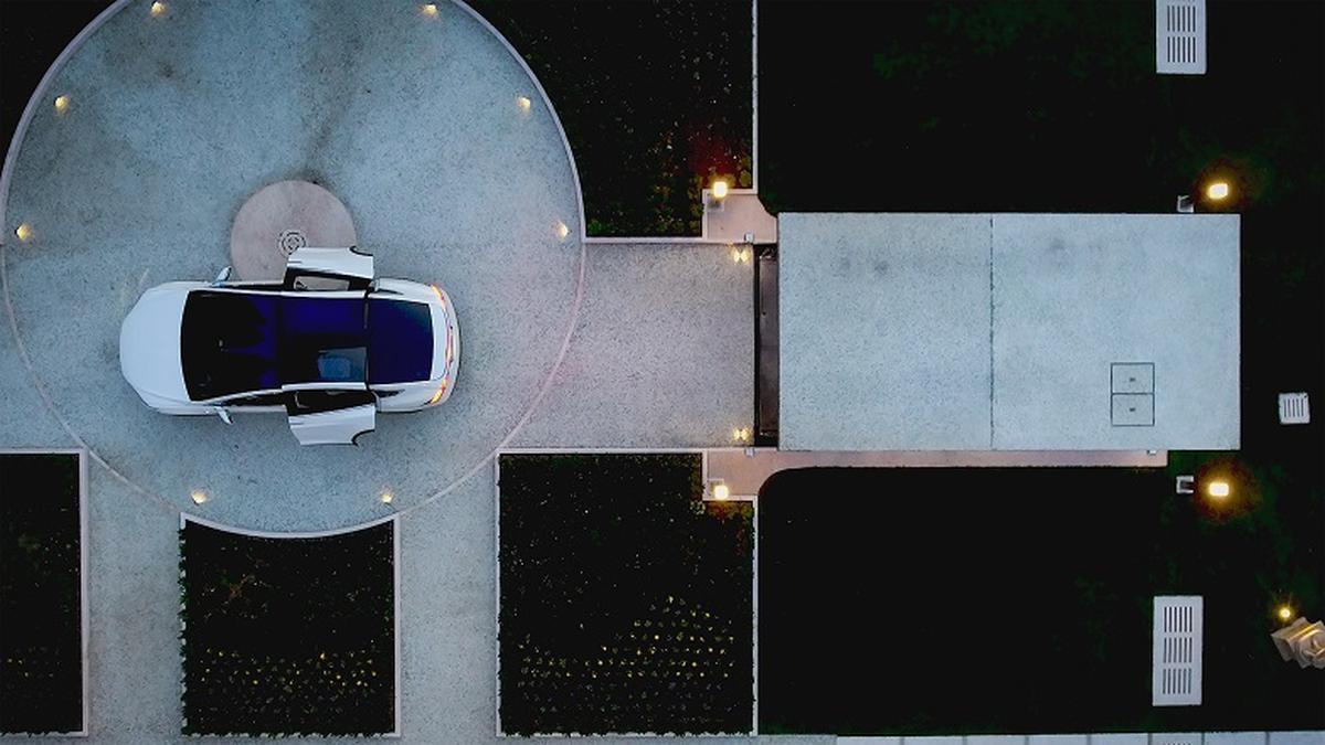 Ascensore per auto con tetto