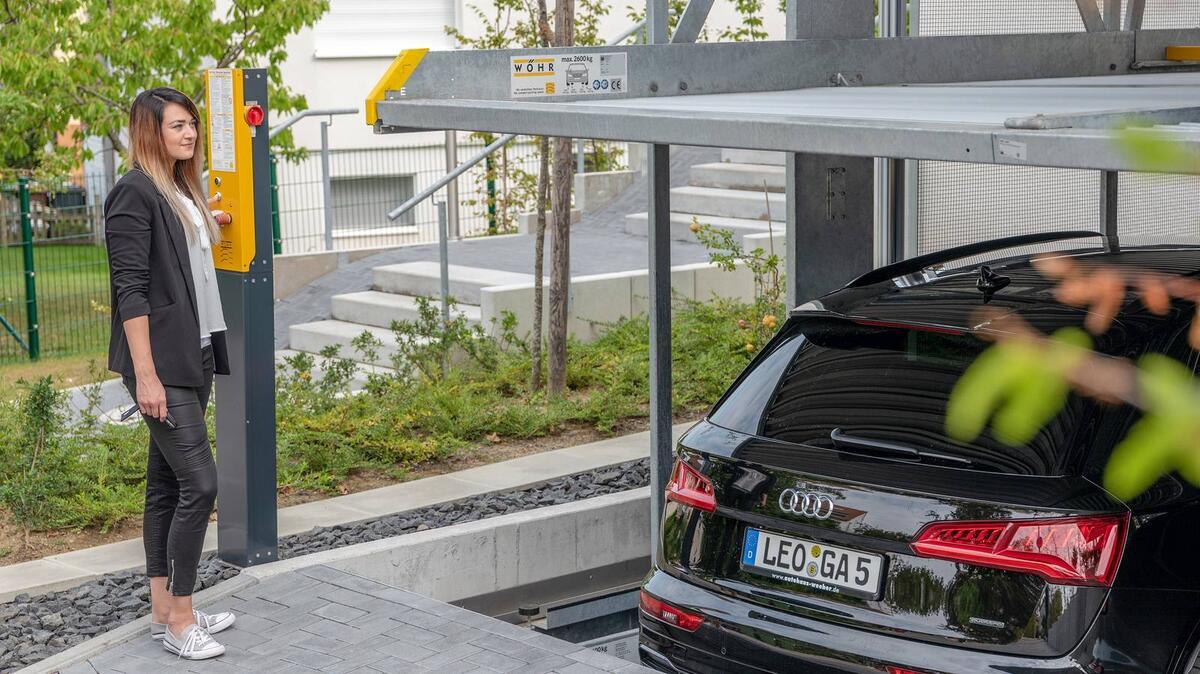 parcheggio meccanizzato con tetto